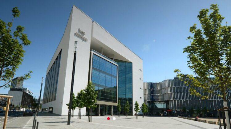 Kap Europa, Kongresshaus der Messe Frankfurt