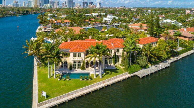 """Preisgekrönte Immobilie auf den """"Las Olas Isles"""" in Fort Lauderdale wird versteigert - auf einem Grundstück, das einst dem verstorbenen Wayne Huizenga gehörte"""